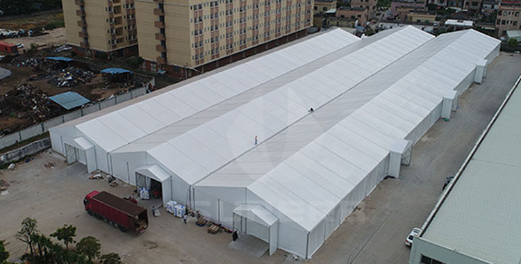 Can inflammable and damp goods be placed in industrial storage tents?